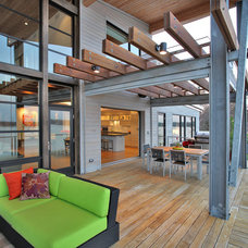 modern porch by Gardner Mohr Architects LLC