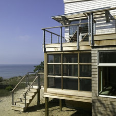 Beach Style Porch by Hammer Architects