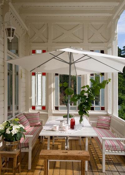Come arredare una veranda coperta for Arredare una villa