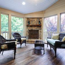 Rustic Porch by RSU Contractors