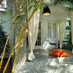 contemporary porch by Debra Yates Great Space, Inc.