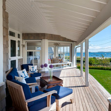 Beach Style Porch by Curl Architecture