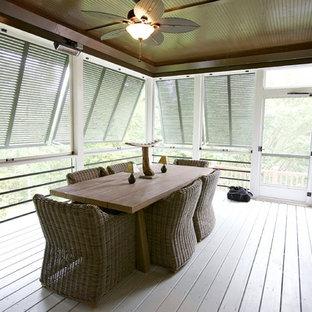 Imagen de terraza actual, en anexo de casas, con entablado