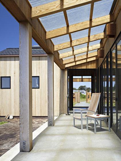 Rustic Patio by Malcolm Davis Architecture