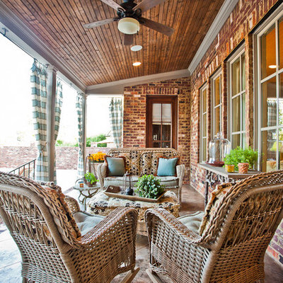 Elegant porch photo in Nashville with a roof extension