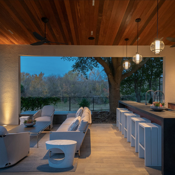 Covered outdoor kitchen entertainment patio