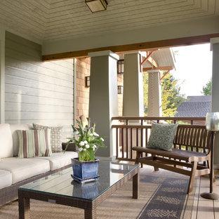 Modelo de terraza de estilo americano en patio delantero