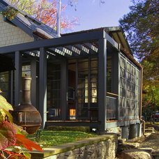 Craftsman Porch by Gardner Mohr Architects LLC