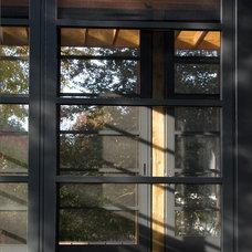 Craftsman Porch by Gardner Mohr Architects LLC
