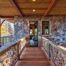 Rustic Porch by Glennwood Custom Builders (NC)