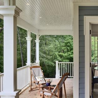 Новый формат декора квартиры: веранда в классическом стиле с настилом и навесом