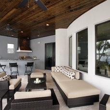 Modern Porch by Devonshire Custom Homes