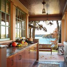 Craftsman Porch by David Heide Design Studio