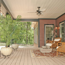 Transitional Porch by Art of Design, Jennifer Copeland