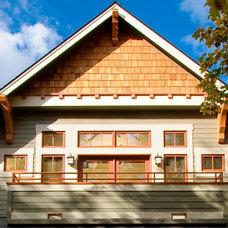 Craftsman Porch by WW Builders Design/Build Associates