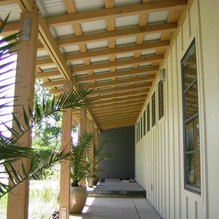 Minimalist porch idea in San Francisco
