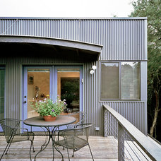 Modern Porch by Steinbomer, Bramwell & Vrazel Architects