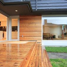 Modern Porch by Blackfish Homes Ltd.