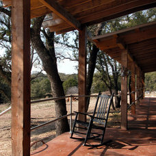 Transitional Porch by Ignacio Salas-Humara Architect LLC