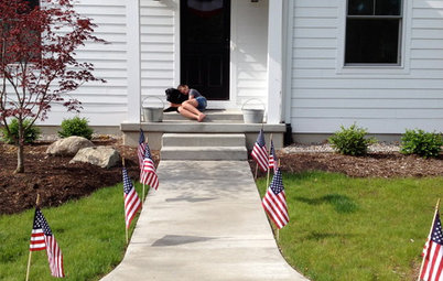 How to Hang the American Flag at Home