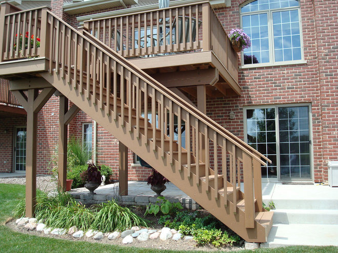 Traditional Porch by Halo Construction Services LLC