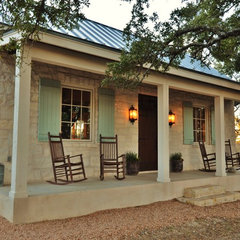 traditional porch by Bonterra Building & Design