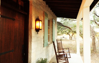 Houzz Tour: Movie Inspiration for a Texas Guesthouse