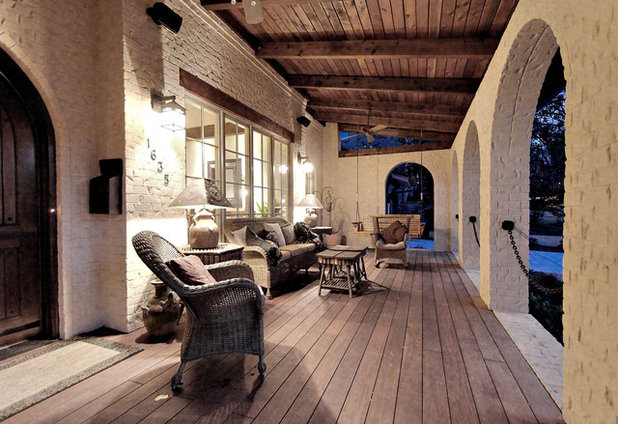 Rustic Porch by Dresser Homes