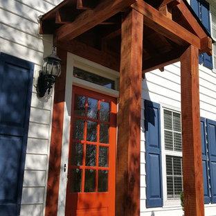 Ispirazione per un piccolo portico american style davanti casa con pavimentazioni in mattoni