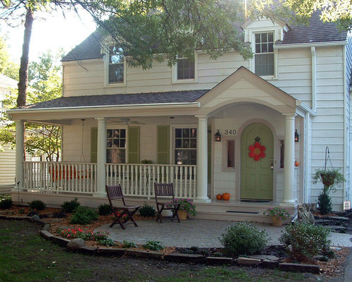 Front porch railing home design ideas pictures remodel and decor - Inviting door color ideas for welcoming the guests in sweeter way ...