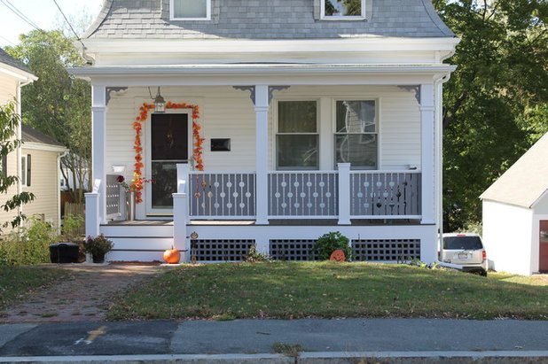 Traditional Porch by Cogs Construction and Design Inc.