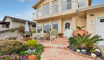 Garden like entry to your golf course home.