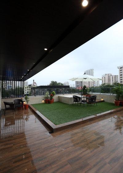 Contemporary Veranda by anjali rawat architects
