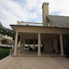Traditional Porch by Conte & Conte, LLC