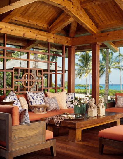 Tropical Porch by ZAK Architecture