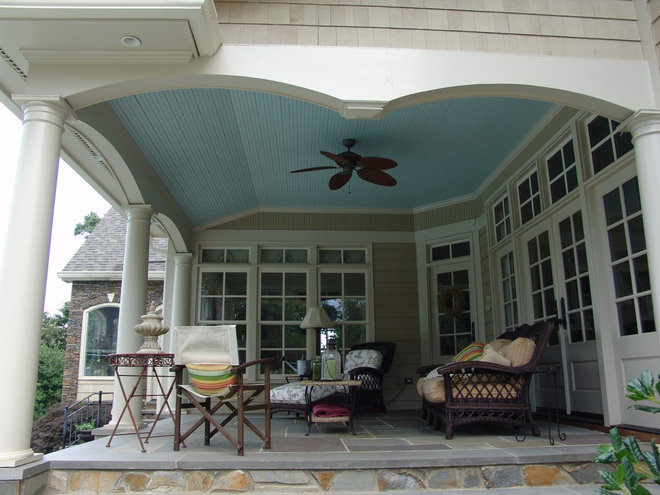 Traditional Porch by GS Bailey Custom Builders INC.