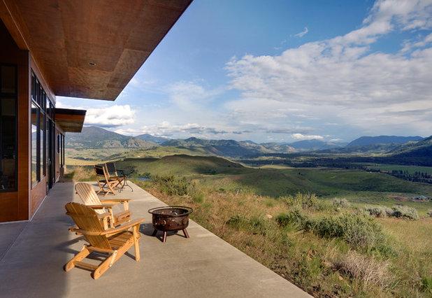 Rustic Porch by Prentiss Balance Wickline Architects