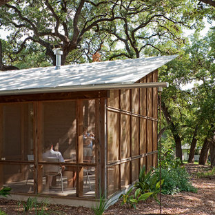 This is an example of a modern porch design in Austin.