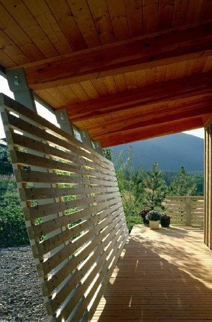 Modern Porch by Eggleston Farkas Architects