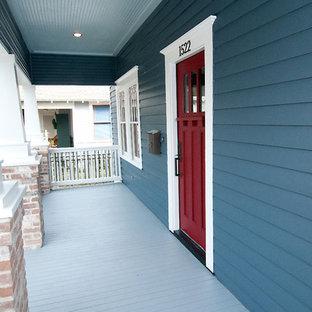 Arts and crafts porch idea in Houston