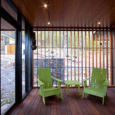 Modern Porch by Gossens Bachman Architects