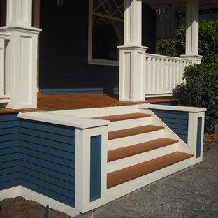 Ispirazione per un portico stile americano di medie dimensioni e davanti casa