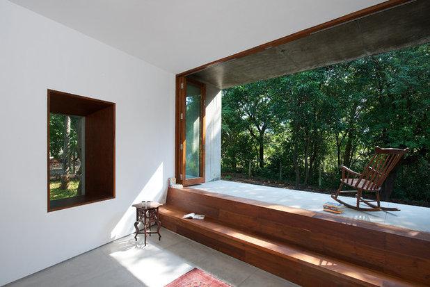 Modern Veranda by Architecture BRIO