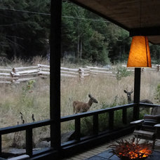 Traditional Porch Houzz Tour: Charming Cottage on Mayne Island
