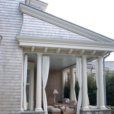 beach style porch by Paul Casseb