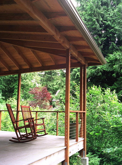 Traditional Porch by James Hill Architect, AIA