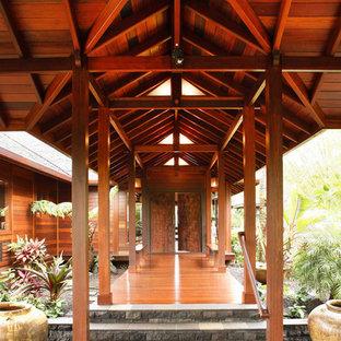 Exotisk inredning av en veranda