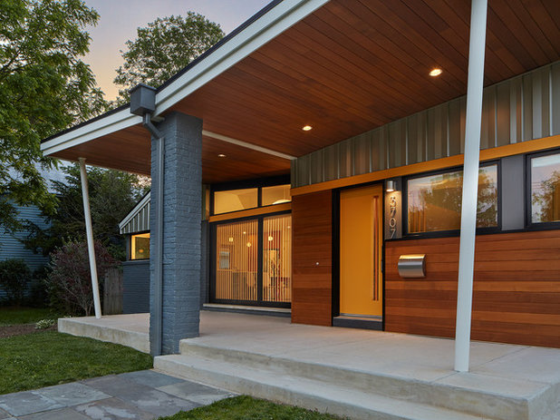 Midcentury Porch by Balodemas Architects