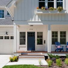 Craftsman Porch by Peterssen/Keller Architecture