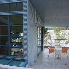 Modern Porch by Webber + Studio, Architects
